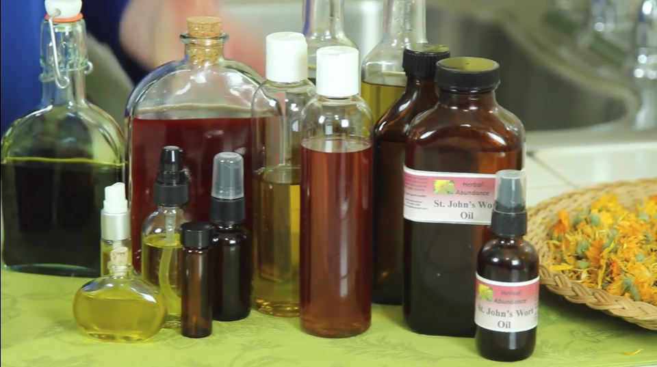 The Benefits of Lavender Infused Oil, Herbal Oils #Natural